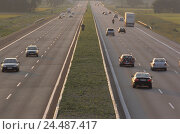 Highway, traffic, evening light, summer street, multi-lane, traffic route, traffic facility, trunk road, federal motorway, route transport, Bundesfernstrasse..., фото № 24487417, снято 23 января 2004 г. (c) mauritius images / Фотобанк Лори