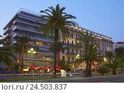 Купить «France, Cote d'Azur, Nice, hotel, seafront, palms, lighting, dusk,», фото № 24503837, снято 15 августа 2018 г. (c) mauritius images / Фотобанк Лори