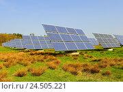 Купить «Meadow, solar collectors, solar cells,», фото № 24505221, снято 1 июля 2009 г. (c) mauritius images / Фотобанк Лори
