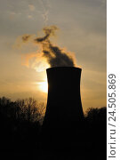 Купить «Germany, Bavaria, Lower Franconia, field Grafenrhein, nuclear power plant, cooling tower, silhouette, back light, evening,», фото № 24505869, снято 1 июля 2009 г. (c) mauritius images / Фотобанк Лори