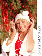Купить «Woman, young, smile, Santa's hat, fir branch, tinsel, portrait, women's portrait, 22 years, laugh, decorate blond, long-haired, yule tide, Christmas period...», фото № 24510229, снято 17 мая 2004 г. (c) mauritius images / Фотобанк Лори