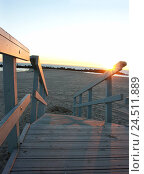 Купить «The USA, California, Los Angeles, beach, lifeguard's house, detail, stairs, evening mood America, west coast, Pacific coast, wooden house, hut, first-aid...», фото № 24511889, снято 5 мая 2004 г. (c) mauritius images / Фотобанк Лори