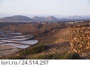 Купить «Spain, Canary islands, Lanzarote, Salinas de Janubio, volcano mountains,», фото № 24514297, снято 2 февраля 2010 г. (c) mauritius images / Фотобанк Лори