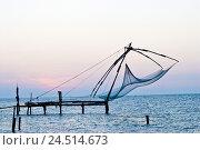 Купить «India, Kerala, fishing nets, waters,», фото № 24514673, снято 20 июля 2018 г. (c) mauritius images / Фотобанк Лори