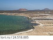 Купить «Spain, Canary islands, Lanzarote, Salinas de Janubio, volcano mountains,», фото № 24518885, снято 22 сентября 2018 г. (c) mauritius images / Фотобанк Лори