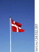 Купить «Denmark, national-flags, Scandinavia, flagpole, flagpole, flag, flag, ensign, wind, blows, heavens, blue, light-blue, cloudless, Danebrog,», фото № 24532397, снято 20 сентября 2018 г. (c) mauritius images / Фотобанк Лори