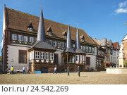 Купить «Germany, Lower Saxony, Einbeck, city hall, spike towers, marketplace, well monument,», фото № 24542269, снято 15 июня 2008 г. (c) mauritius images / Фотобанк Лори