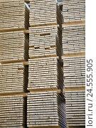 Купить «wooden boards, stacked,», фото № 24555905, снято 29 сентября 2009 г. (c) mauritius images / Фотобанк Лори