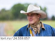 Купить «Boy, cowboy, 16 years, hat, denim jacket, portrait, USA, Wyoming, Shell,», фото № 24559057, снято 22 августа 2018 г. (c) mauritius images / Фотобанк Лори