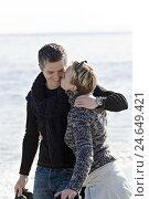 Купить «couple, smiling, embrace, kiss, cheek, model released,», фото № 24649421, снято 19 июля 2018 г. (c) mauritius images / Фотобанк Лори