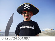 Купить «Germany, Butjadingen, the North Sea, watt, boy, lining, pirate, portrait, model released, North Germany, beach, low tide, person, child, look, paints,...», фото № 24654897, снято 26 января 2009 г. (c) mauritius images / Фотобанк Лори