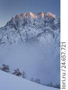 Купить «Austria, Tyrol, spleen cerium to dolomites, Pustertal, spell mountain, Spitzkofel, evening light,», фото № 24657721, снято 22 февраля 2018 г. (c) mauritius images / Фотобанк Лори