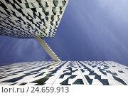 Купить «Denmark, Copenhagen, Orestaden, hotel, facade,», фото № 24659913, снято 18 августа 2018 г. (c) mauritius images / Фотобанк Лори