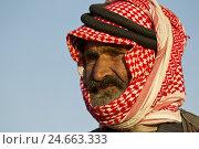 Купить «Jordan, close Amman, Einheimscher, man with traditional headscarf, portrait,», фото № 24663333, снято 21 июля 2019 г. (c) mauritius images / Фотобанк Лори