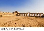 Купить «The Roman Circus or Hippodrome in Jerash, Jordan», фото № 24669093, снято 3 ноября 2016 г. (c) Наталья Волкова / Фотобанк Лори