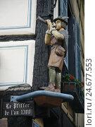Купить «Europe, France, Alsace, Ribeauvillé, wooden figure at half-timbered house,», фото № 24677553, снято 16 июля 2019 г. (c) mauritius images / Фотобанк Лори