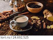 Пряный индийский чай с молоком. Стоковое фото, фотограф Всеволод Белоусов / Фотобанк Лори