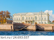 Манеж кадетского корпуса, Санкт-Петербург, Россия, фото № 24693037, снято 3 октября 2016 г. (c) Зезелина Марина / Фотобанк Лори