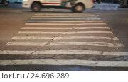 Купить «Blurred motion of cars and people on the pedestrian pedestrian passage. Vietnam. Saigon city.», видеоролик № 24696289, снято 13 декабря 2016 г. (c) Mikhail Davidovich / Фотобанк Лори