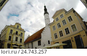 Купить «Old city, Tallinn, Estonia. Holy Spirit Church», видеоролик № 24743257, снято 20 декабря 2009 г. (c) Куликов Константин / Фотобанк Лори