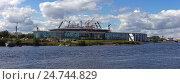 Купить «Строительство стадиона на Крестовском острове», фото № 24744829, снято 27 июля 2015 г. (c) Михаил Колесов / Фотобанк Лори