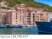 Купить «Bonifacio, resort port city of Corsica», фото № 24755517, снято 2 июля 2015 г. (c) EugeneSergeev / Фотобанк Лори
