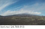 Купить «Камчатка: вулкан Камень и активный вулкан Ключевская сопка (time lapse)», видеоролик № 24769913, снято 16 сентября 2019 г. (c) А. А. Пирагис / Фотобанк Лори
