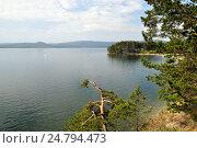 Купить «Южно-уральское озеро Тургояк», фото № 24794473, снято 13 августа 2016 г. (c) Александр Тараканов / Фотобанк Лори