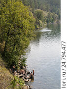 Купить «Пикник на берегу озера Тургояк», фото № 24794477, снято 13 августа 2016 г. (c) Александр Тараканов / Фотобанк Лори