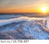 Купить «Река в Западной Сибири во время зимнего заката, вид сверху», фото № 24798497, снято 16 декабря 2015 г. (c) Владимир Мельников / Фотобанк Лори