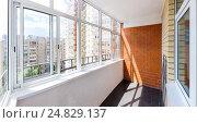 Застекленный балкон. Стоковое фото, фотограф Юрий Губин / Фотобанк Лори