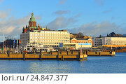 Купить «Вид на гавань и набережную Katajanokka. Хельсинки», фото № 24847377, снято 26 декабря 2016 г. (c) Валерия Попова / Фотобанк Лори