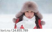 Купить «happy woman playing with snow outdoors in winter», видеоролик № 24855789, снято 12 января 2017 г. (c) Syda Productions / Фотобанк Лори