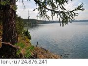 Купить «Берег озера Тургояк в Челябинской области», фото № 24876241, снято 13 августа 2016 г. (c) Александр Тараканов / Фотобанк Лори