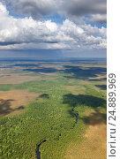 Таежная река в Западной Сибири, вид сверху, фото № 24889969, снято 8 июля 2011 г. (c) Владимир Мельников / Фотобанк Лори