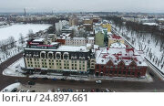 Купить «Здание отеля Виктория на Рыночной площади в Выборге. Подъем камеры над крышами», видеоролик № 24897661, снято 18 января 2017 г. (c) Кекяляйнен Андрей / Фотобанк Лори