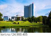 Купить «Belarus hotel in Minsk», фото № 24900405, снято 3 сентября 2016 г. (c) Яков Филимонов / Фотобанк Лори