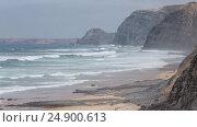 Купить «Cordoama beach (Algarve, Portugal).», видеоролик № 24900613, снято 18 января 2017 г. (c) Юрий Брыкайло / Фотобанк Лори