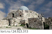 Купить «Amman city landmarks-- old roman Citadel Hill, Jordan», видеоролик № 24923313, снято 21 января 2017 г. (c) Владимир Журавлев / Фотобанк Лори