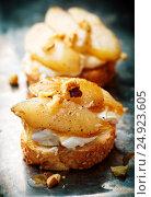 Купить «Pears and rocotta crostini.selective focus», фото № 24923605, снято 4 января 2017 г. (c) Зоряна Ивченко / Фотобанк Лори
