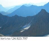 Купить «Силуэты гор», фото № 24923797, снято 25 августа 2005 г. (c) Лия Покровская / Фотобанк Лори