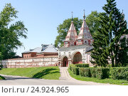 Holy gates of the Monastery of the Deposition of the Robe, Russia, Suzdal (2014 год). Стоковое фото, фотограф Денис Фоломеев / Фотобанк Лори