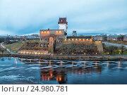 Купить «Нарвский замок Германа вечером. Нарва. Эстония», фото № 24980781, снято 1 января 2017 г. (c) Румянцева Наталия / Фотобанк Лори