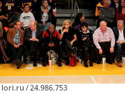 Купить «Celebrities watch the Los Angeles Lakers play The Golden State Warriors Featuring: Floyd Mayweather Jr. Where: Los Angeles, California, United States When: 05 Jan 2016 Credit: WENN.com», фото № 24986753, снято 5 января 2016 г. (c) age Fotostock / Фотобанк Лори