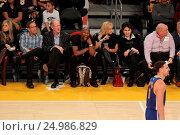 Купить «Celebrities watch the Los Angeles Lakers play The Golden State Warriors Featuring: Floyd Mayweather Jr. Where: Los Angeles, California, United States When: 05 Jan 2016 Credit: WENN.com», фото № 24986829, снято 5 января 2016 г. (c) age Fotostock / Фотобанк Лори