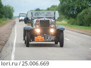Купить «Ралли «Пекин-Париж-2016». Chevrolet Int. Tourer (1930) в пути. Этап Завидово-Смоленск. 4 июля 2016 г.», фото № 25006669, снято 4 июля 2016 г. (c) Сайганов Александр / Фотобанк Лори