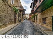 Купить «Street in Old city, Icheri Shehe. Baku», фото № 25035853, снято 10 сентября 2016 г. (c) Elena Odareeva / Фотобанк Лори