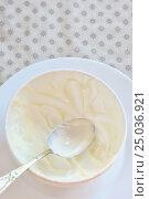 Купить «Empty ceramic bowl of white yoghurt», фото № 25036921, снято 1 февраля 2017 г. (c) Iordache Magdalena / Фотобанк Лори