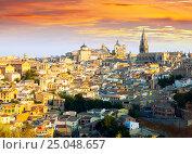 Купить «Toledo from hill in sunny morning», фото № 25048657, снято 23 августа 2013 г. (c) Яков Филимонов / Фотобанк Лори