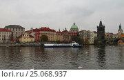 Купить «View of Prague from the Vltava River, Czech Republic», видеоролик № 25068937, снято 5 февраля 2017 г. (c) Владимир Журавлев / Фотобанк Лори